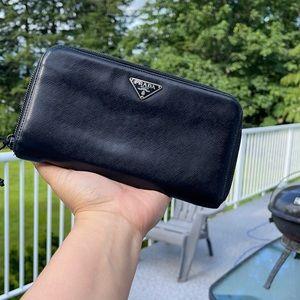 1️⃣1️⃣0️⃣Black Vintage Prada Wallet